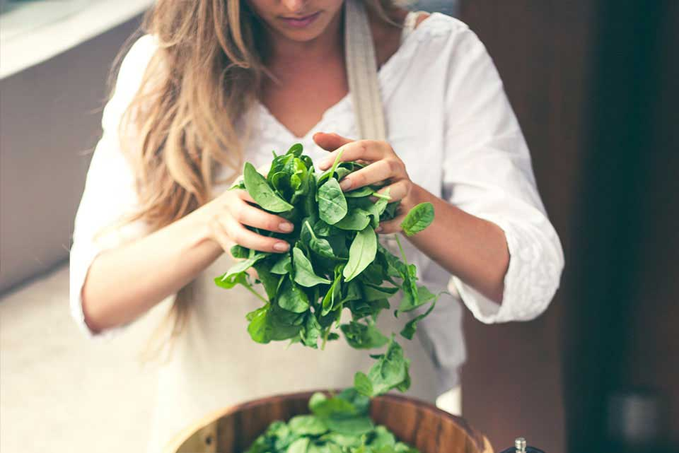 jess-tossing-salad1.jpg