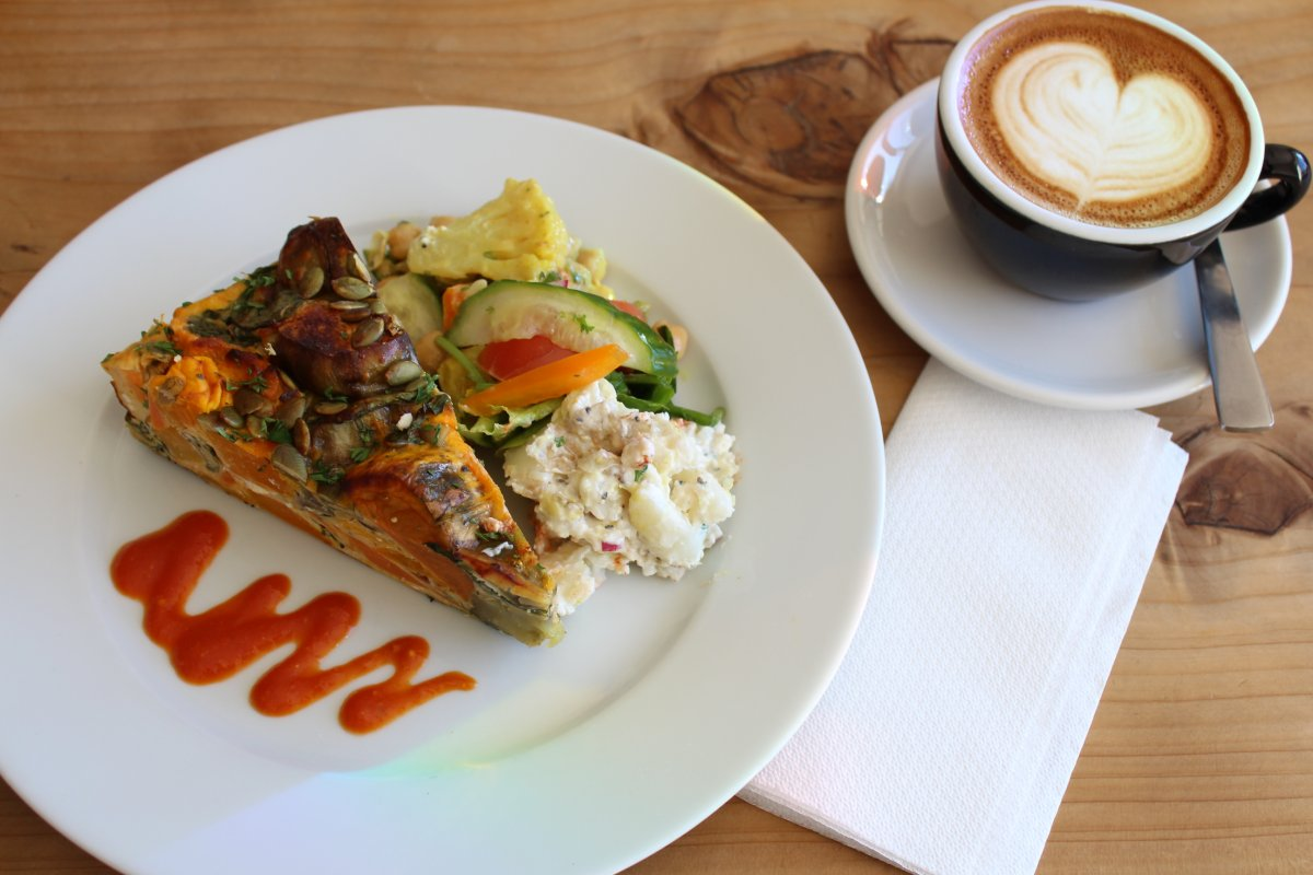 lunch_at_local_cafe_pomeroys_the_coffee_factory.jpg