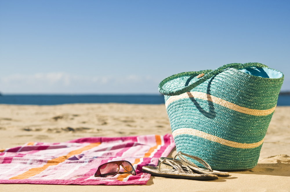5 Essential Beach Snacks To Help You Stay Healthy This Summer