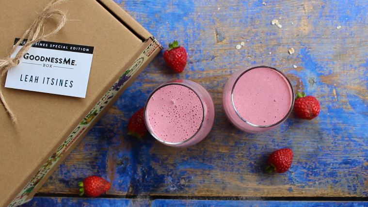 Breakfast Berry Protein Smoothie