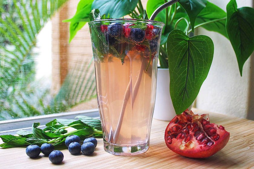 Blueberry & Pomegranate Mocktail